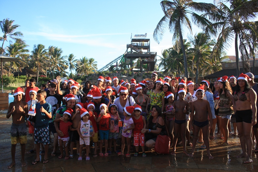 Natal Feliz: 240 crianças e adolescentes de oito instituições ganham um dia cheio de diversão