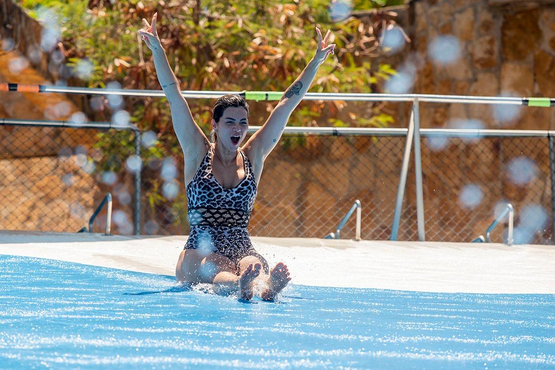 Kelly Key e sua filha Susanna Freitas se divertem com a família o Beach Park