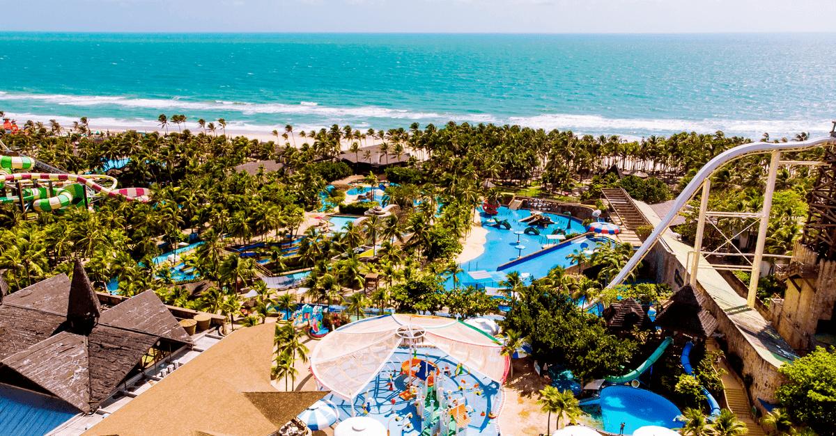 Parque aquático no Brasil: 5 motivos para conhecer e visitar o Beach Park
